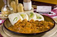 Hlavné mäsité jedlá: bravčový segedínsky guláš