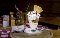 zmrzlinový pohár s toppingom